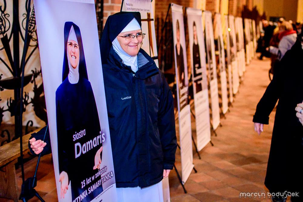 Fotorelacja z wystawy KONSEKROWANI 2015 w Katedrze św. Jakuba w Szczecinie, autor Marcin Boduszek, s. Damaris, benedyktynka-samarytanka
